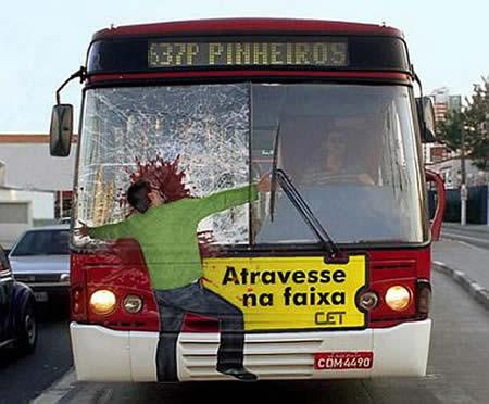 تصادف با اتوبوس