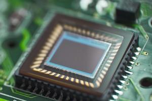 میکرو چیپ هایی با باتری خورشیدی درونی ساخته شدند