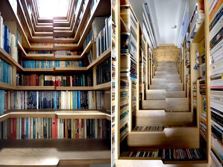 کتابخانه راه پله ای