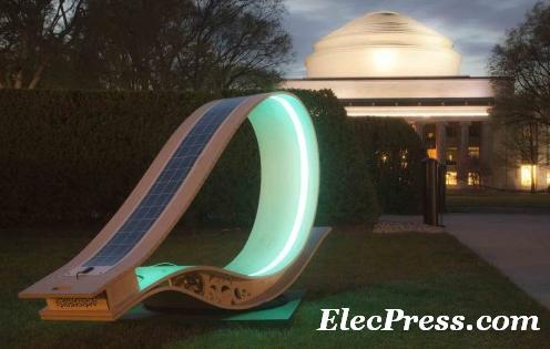 صندلی با انرژی خورشیدی