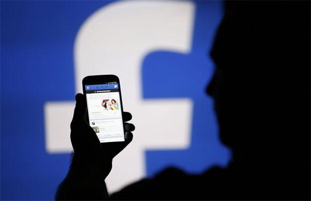 فیس بوک اطلاعات کاربران را سرقت می کند