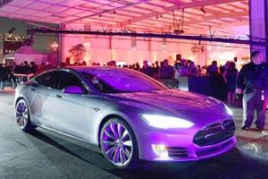 ماشین تسلا دی Tesla D آینده رانندگی رو تغییر میده