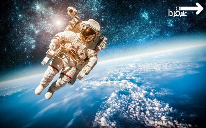 لباس فضانوردی سفید