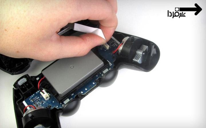 جدا کردن فلت تاچ دسته PS4 برای تعویض باتری